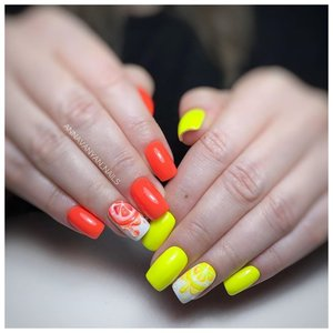 Неоные ногти с фруктами