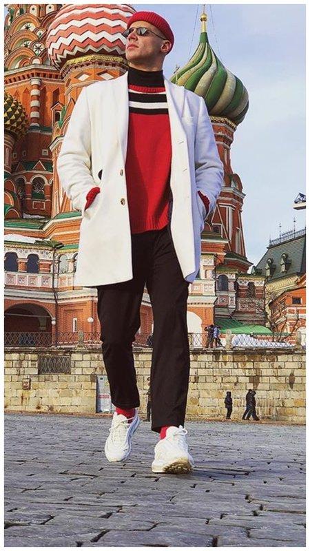 Олег Майами в белом пальто