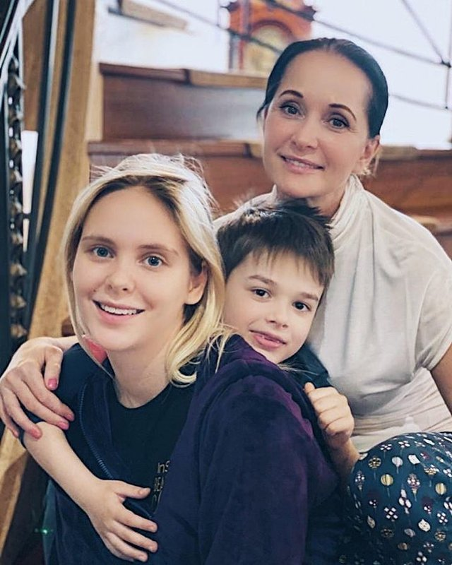 Ольга Кабо с детьми фото