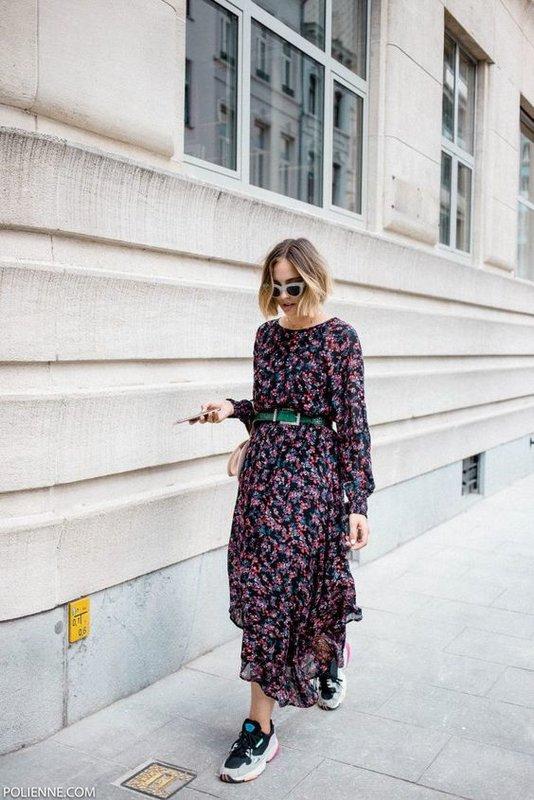 Платье с кедами