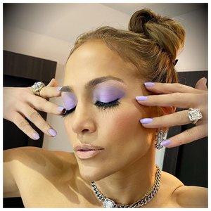 Лопес фиолетовый макияж глаз