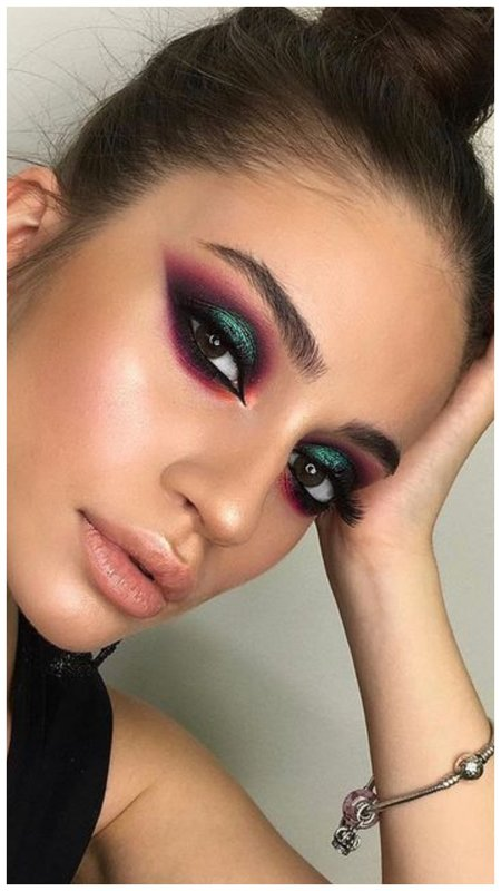 Яркий восточный макияж