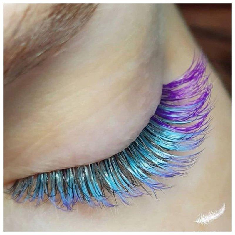 Сине-фиолетовые ресницы