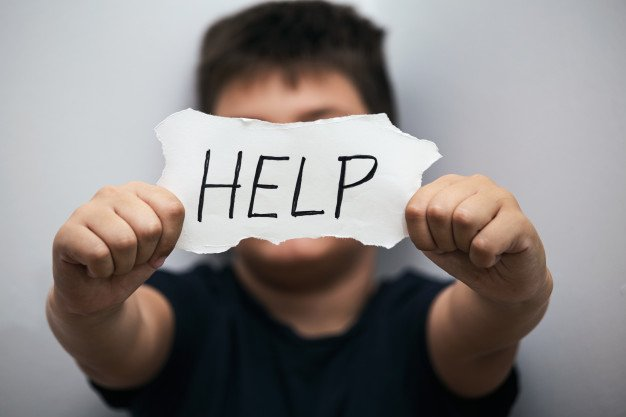 Ребенок просит о помощи