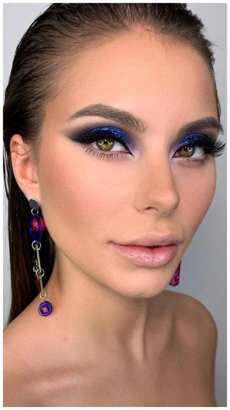 Красивый яркий макияж