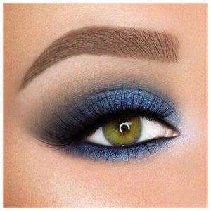 Синие тени с подчеркнутым нижним веко