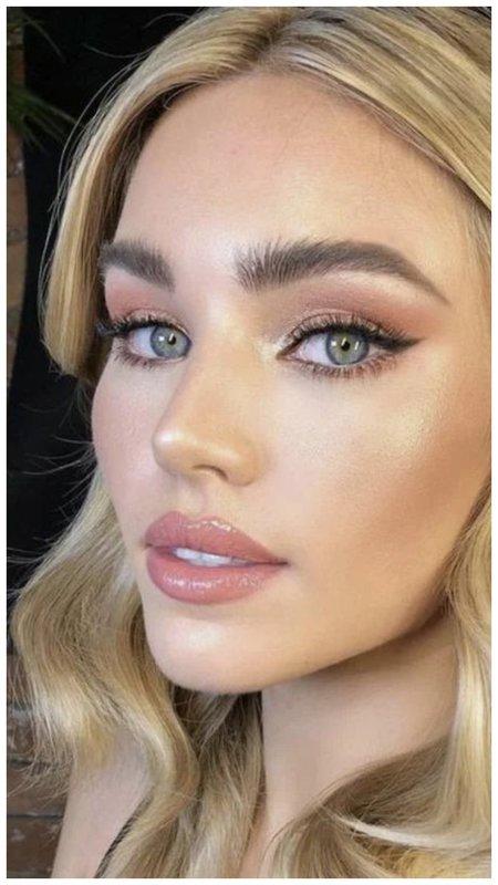Легкий макияж на лето для зеленых глаз