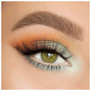 Нежный повседневный макияж для зеленых глаз