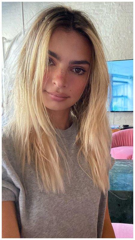 Эмили Ратаковски стала блондинкой