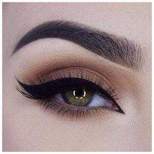Оригинальный макияж для зеленоглазых девушек