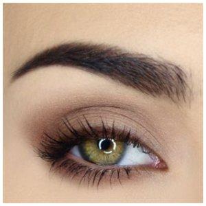 Вечерний элегантный макияж для зеленых глаз