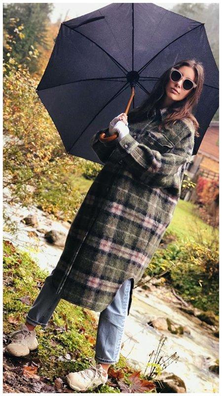 Топурия с зонтом