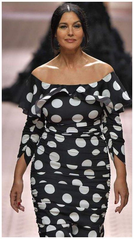 Моника Беллуччи на показе моды