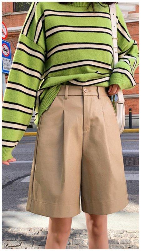 Бежевые шорты-бермуды для женщин