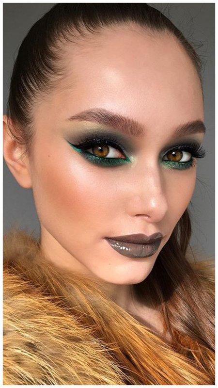 Темный макияж для зеленых глаз