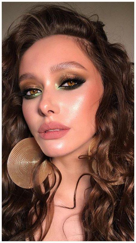 Зелено-золотой макияж для зеленых глаз на вечер