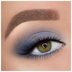 Голубые тени для зеленых глаз