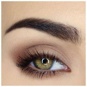 Макияж для зеленых глаз с коричневым карандашом
