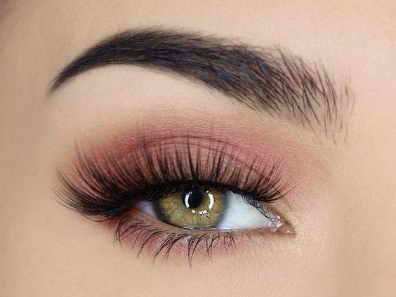 Легкий дневной макияж для зеленых глаз