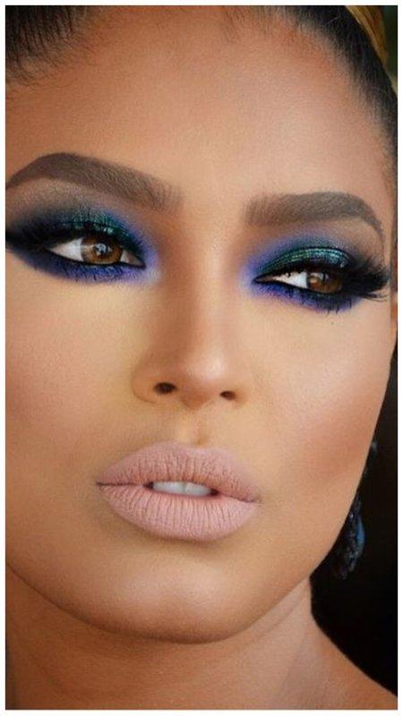 Яркий восточный макияж со стрелками