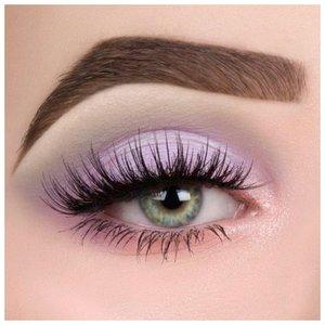 Сиреневый макияж для зеленых глаз