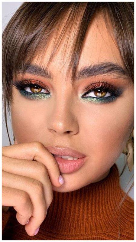 Красивая идея для макияжа с акцентом на брови и глаза
