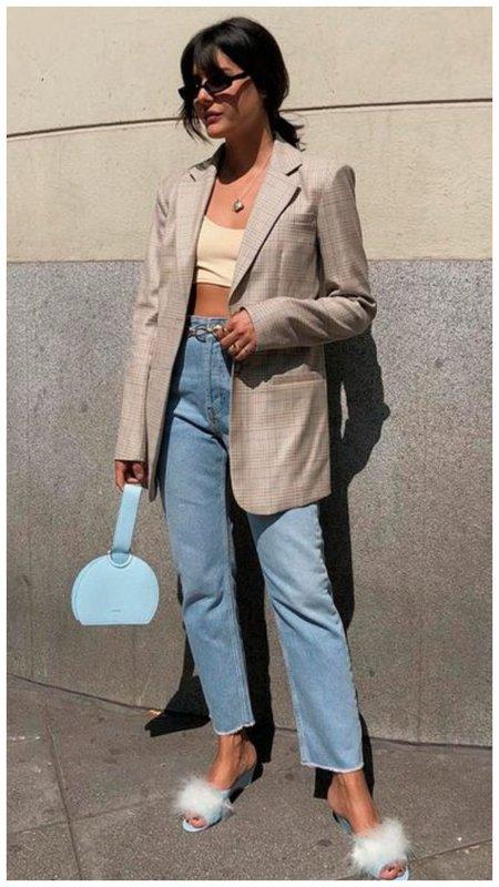 Модный способ носить пиджак женщине