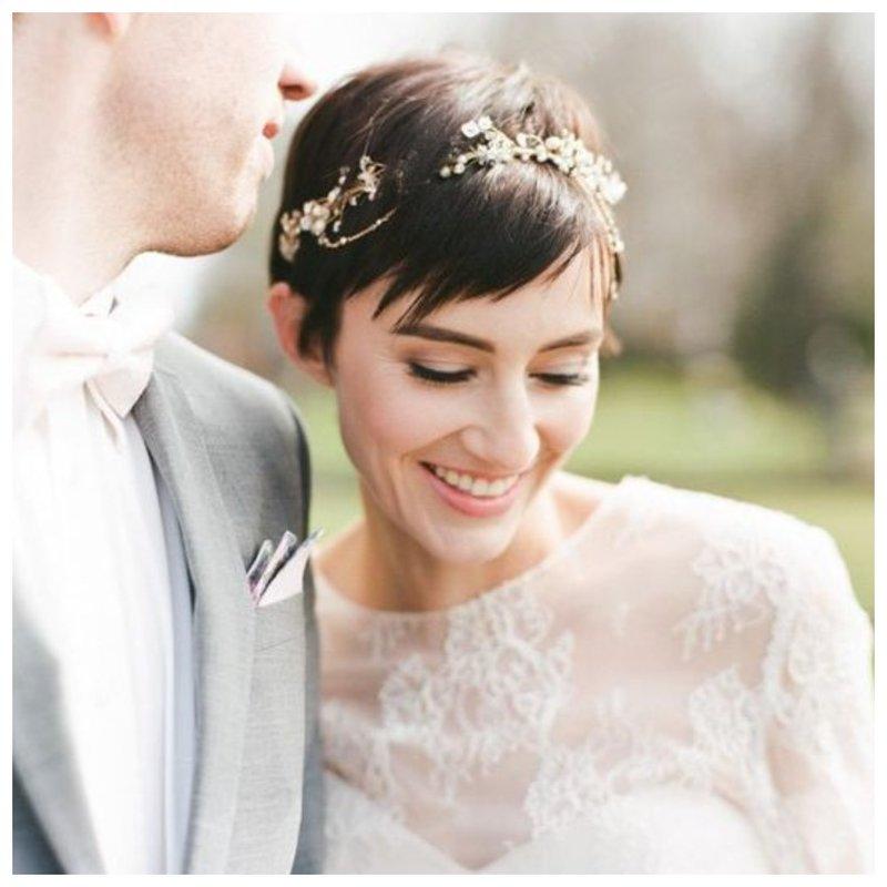 Нежная невеста с короткой стрижкой и челкой