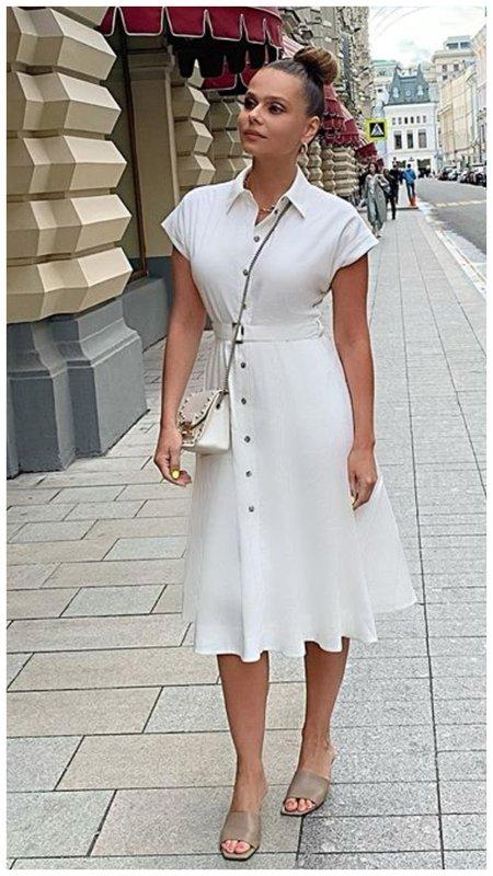 Ксения Новикова в платье