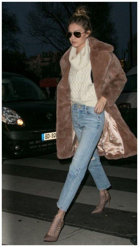 Джинжи Хадид в пальто чебурашка