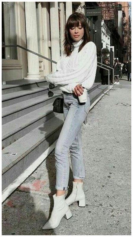 Красивая девушка на улице