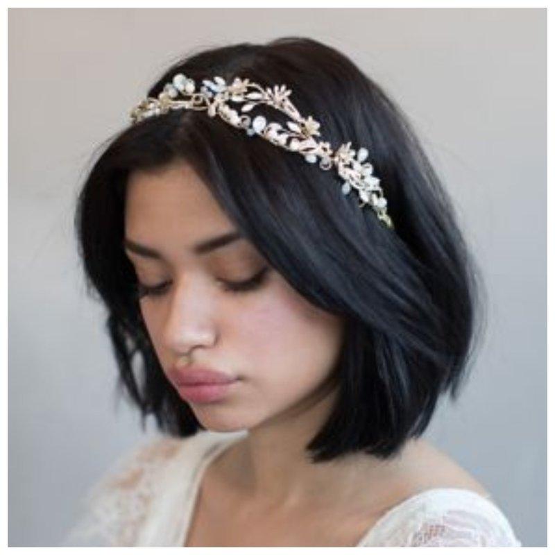 Невеста с каре без прически