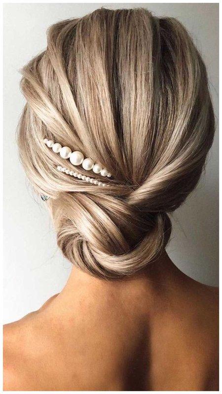 Нежное украшение для волос с жемчужинами