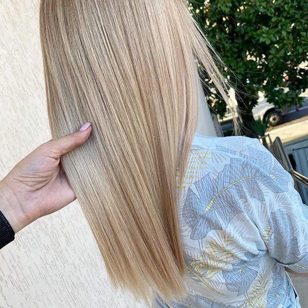 Красивый блонд