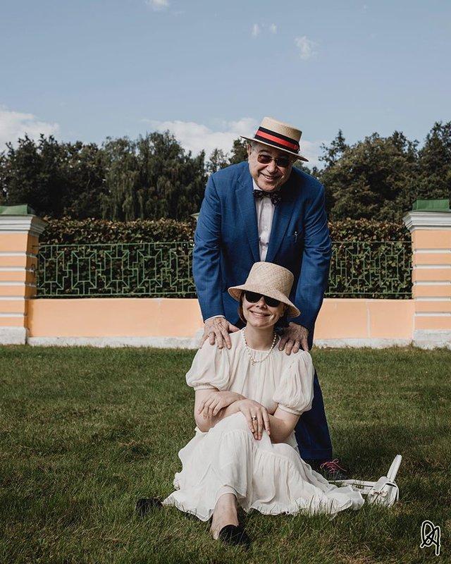 Евгений Петросян с молодой супругой Татьяной Брухуновой