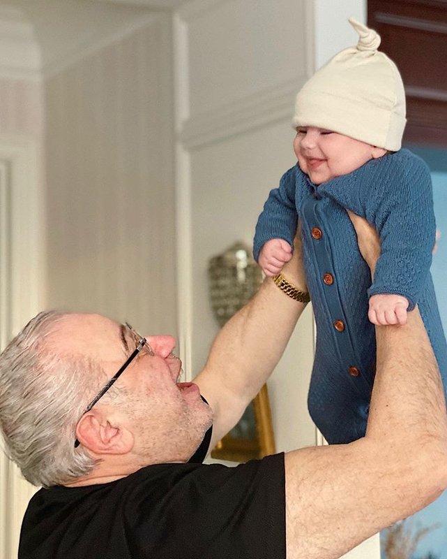 Евгений Петросян показал сына
