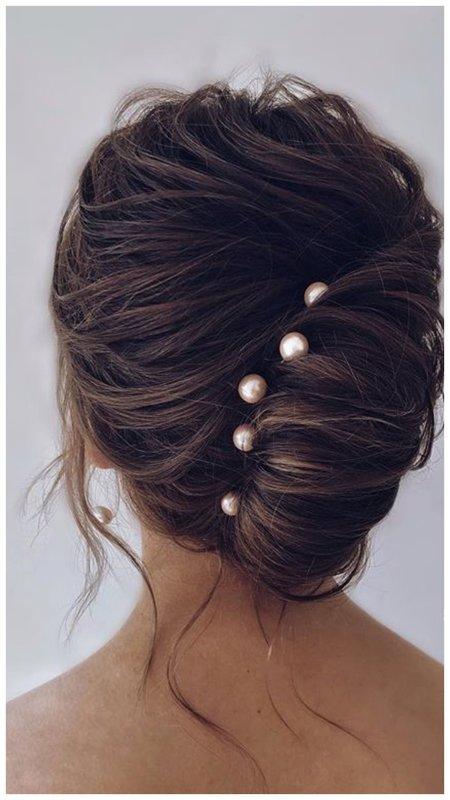 Ракушка на волосах с жемчужными шпильками