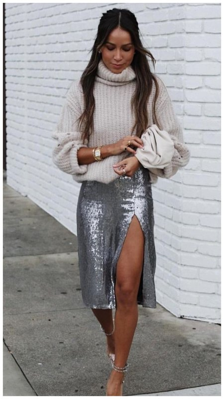 Юбка с пайетками и свитер