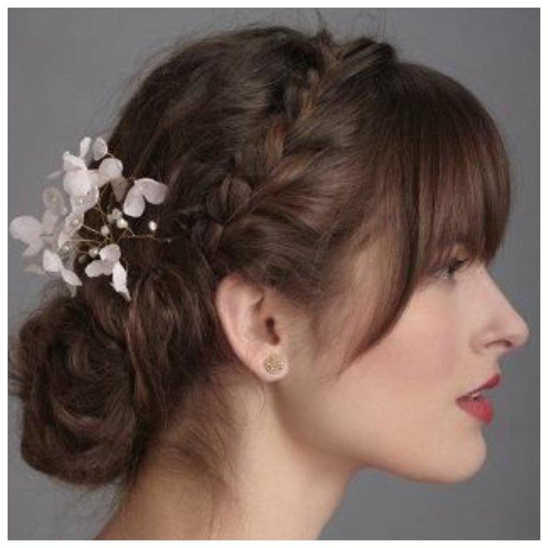 Прическа для невесты с челкой