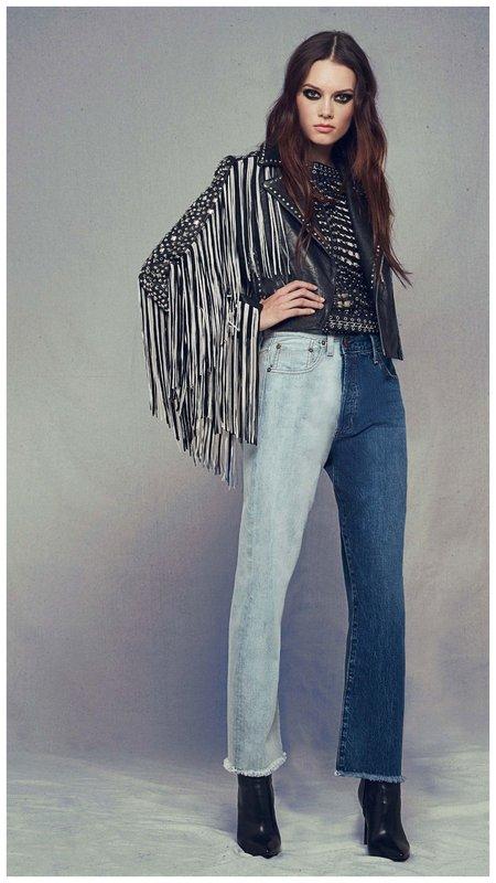 Фото джинсы брючины разного цвета