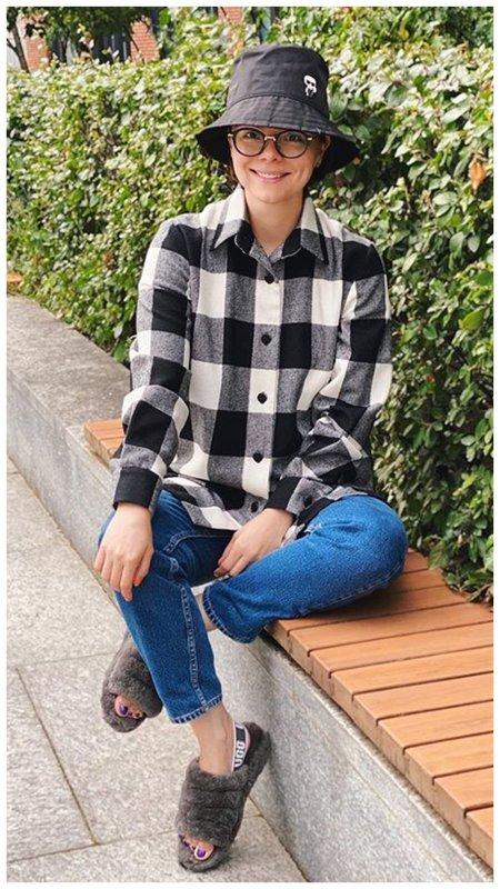 Брухунова в модной рубашке