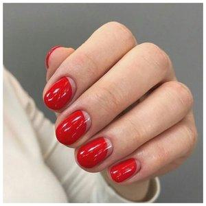Красные ногти с необычными лунками