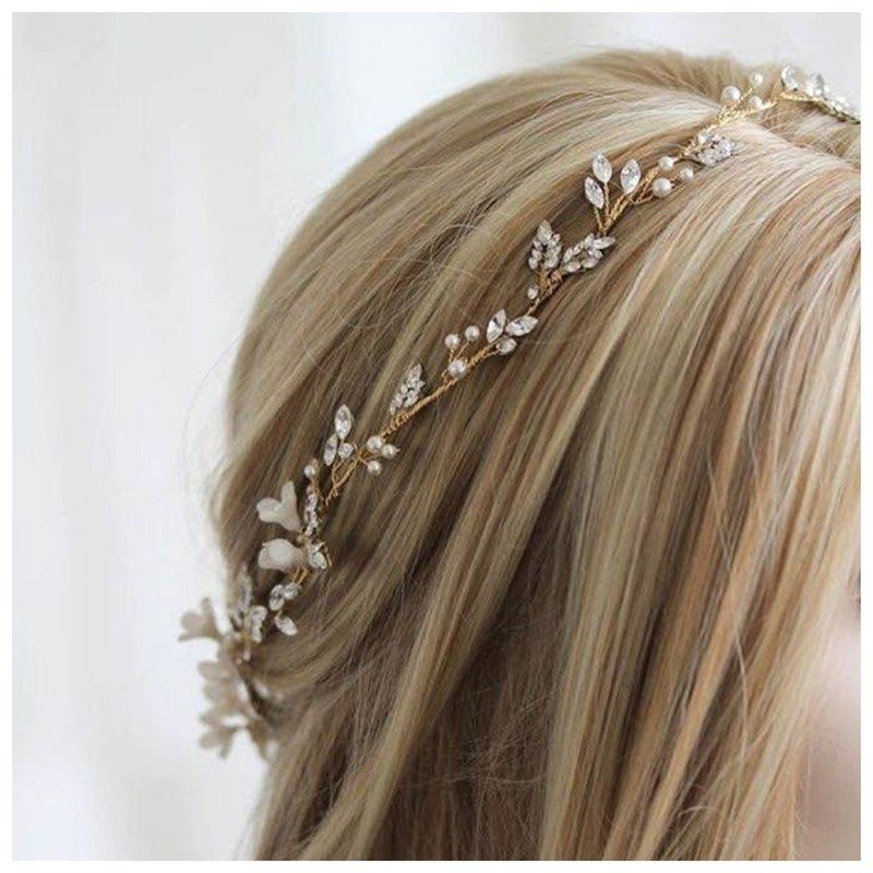 Красивый ободок для свадебной прически вместо короны
