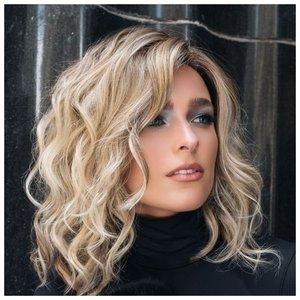 Красивая и простая прическа для средних волос фото