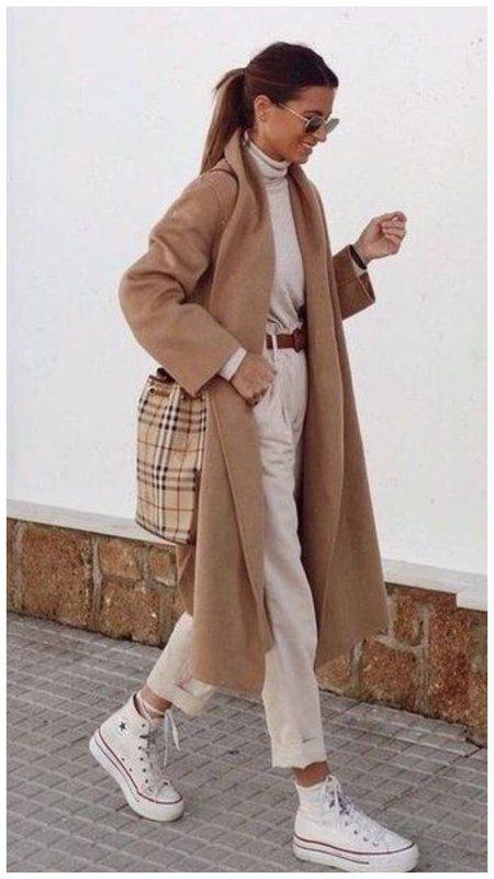 Модный тотал бежевый лук фото