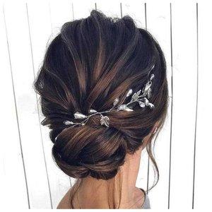 Текстурный пучок для невесты