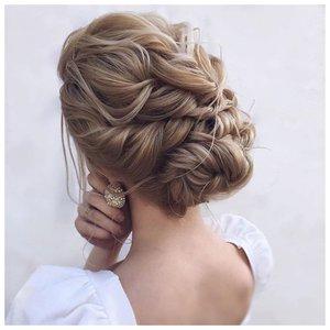 Собранные волосы жгутами - прическа на свадьбу