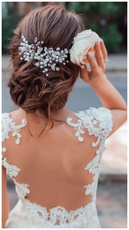 Красивое свадебное украшение с жемчугом