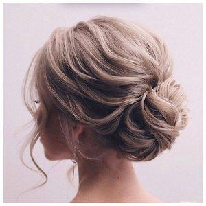 Идея для прически на средние волосы