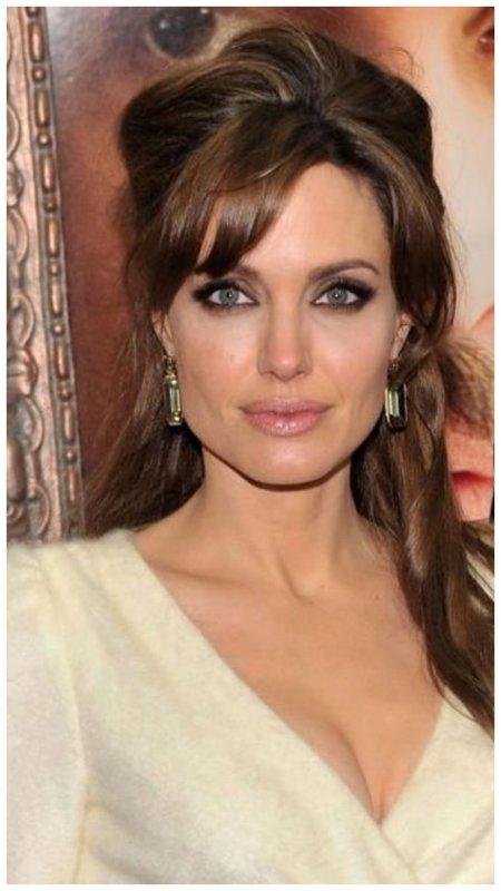 Джоли с челкой